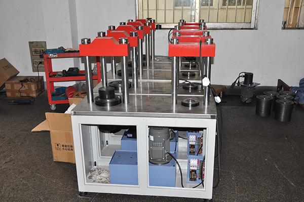 新路达恒加载压力机(生产中产品)